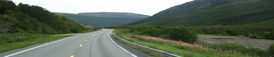 Road_in_Norway-1_stretched